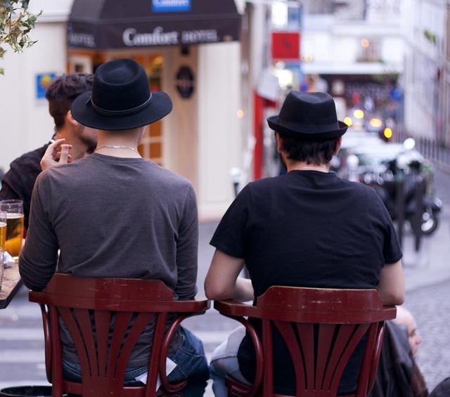 Los hombres también usan sombrero