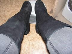 PICT0005 (njala91) Tags: girls black love peace boots withe jeans chuck chucks bemalte paintet bootgirls bootart chucksart chucksjeans