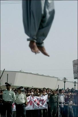 Een openbare verhanging in Iran. bron: AFP.com