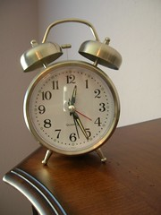 Wake Up Fast (Brave Heart) Tags: alarm clock face up hammer bells photo wake counter bell humor reflect awake wakeup dresser alarmclock 2007 clockface pictiure clockhammer clockbells themebells