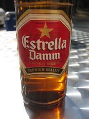Estrella al sol (grismarengo2) Tags: barcelona cerveza damm pedralbes