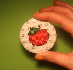 Apple brooch (MaMagasin) Tags: food apple fruit diy crossstitch ebay stitch handmade sewing craft sew jewelry jewellery needlepoint thrift accessories etsy needlecraft mamagasin