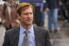 Aaron Eckhart on Traveling (shelbywhite) Tags: california seattle celebrity film cali movie star washington video theater place theatre market jennifer aaron hollywood actor traveling pike 2008 filming feature eckhart aniston