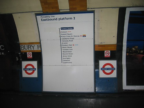 London - Covent Garde Underground Station