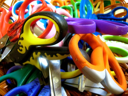 Did you grow up wth scissors like these when you were a kid? Me either