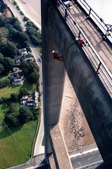 High above the Humber Estuary and land! (Craig Hannah) Tags: bridge work photo industrial photos images photographs hull abseiling humber abseil ropeaccess ropeaccesstechniques imagesropeaccess ropeaccessphotos