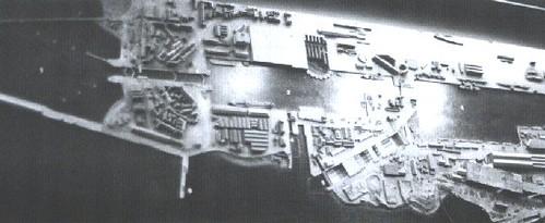 Maqueta del puerto que aún se conserva y sobre la que planearon el asalto y realizaron pruebas