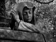 IMG_1238bn (Henry Gamboa) Tags: spain españa bw blancoynegro zb euskalherria blackandwhite art arte black white cementerio cemetery cimetière