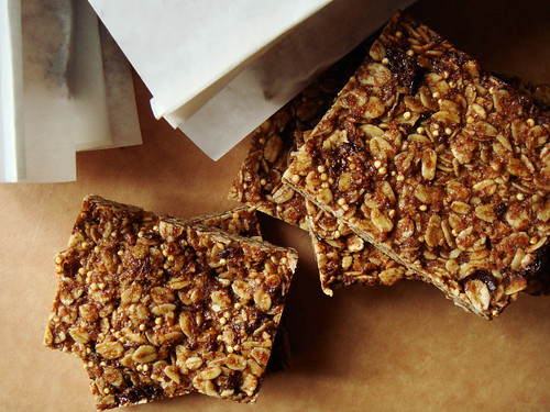 Granola Bar with Prune & Millet