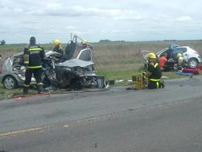 Accidente ocurrido el día miércoles 10 de octubre entre un Renault Clio y un Peugeot 206