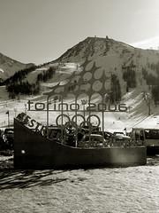 torino 2006 (federica84) Tags: logo neve bianconero monti cerchi scultura ferro olimpiadi simbolo sestriere emblema torino2006