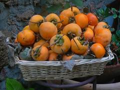Cachi (roberto_il_pisano) Tags: fruits social pisa event tuscany toscana valdorcia frutta cachi cestino arancioni theunforgettablepictures colourartaward excapture pisasocialevent