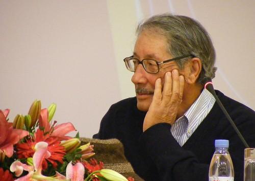 Entre flores e água, António Telmo escuta Pedro Sinde