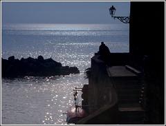 love.... (marco e anna) Tags: sea love mare liguria amore sera coppia innamorati maredinverno luomoeilmare grandemaregroup