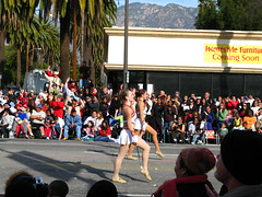 IMG_0642 (jdrisch) Tags: california ca flowers roses court team colorado cheerleaders 1st january band royal greenwood grand bowl parade queen tournament bands celebrations ave worlds marching usc pasadena passport marshal 2008 showcase blvd floats trojans 119 119th