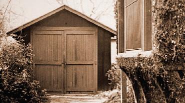 e28095c4fe7 Tras adquirir experiencia por separado decidieron montar su empresa en el  garaje de esta propiedad, que pertenecía a una ...