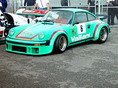 Green Vaillant (Reynoldsorama) Tags: green club vintage 911 racing historic porsche lemans 1976 kremer 935 rsr 934 9car vaillant doningtonpark pcar
