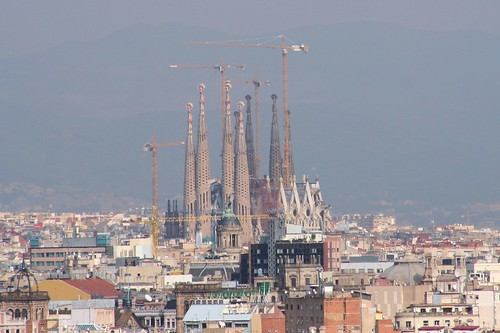 La Sagrada Familia taken from Montjuic (by Son of Groucho)