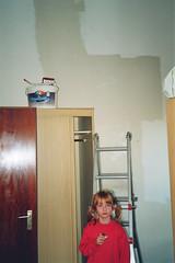 28A - Adri in ihrem neuen Zimmer (Kirayuzu) Tags: adri wand familie schrank renovierung leiter streichen adriszimmer