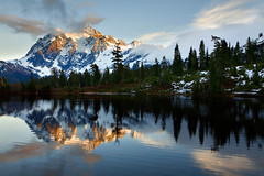 Final Light on Mt. Shuksan (KPieper) Tags: sunset mountains reflection nature clouds landscape washington pacificnorthwest washingtonstate pnw northcascades shuksan mtshuksan picturelake mtbakerhighway mywinners anawesomeshot diamondclassphotographer kevinpieper kpieper kpieperphotography pieperphotographynet cted08lic