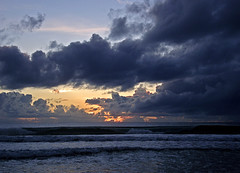 A NeW YeAr iS CoMiNg (HeLMut G.) Tags: ocean sea nature sunshine brasil bahia soe mara eow golddragon platinumphoto aplusphoto ysplix