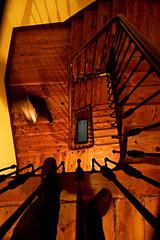 Vrtigo (Haciendo clack) Tags: espaa digital canon eos reflex spain madera europa europe vertigo valladolid escalera 2007 30d castillaylen canon30d lafotodelsemana haciendoclack tokinaatx1241224f4 lfs012008 jessgonzlezlpez haciendoclackblog