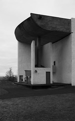 (arndalarm) Tags: bw france church frankreich kirche chapel sw lecorbusier ronchamp kapelle notredameduhaut arndalarm charlesedouardjeanneretgris francefastforward img0855e05c75s1001dklein