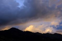 Cordilheira (Isabela Lyrio) Tags: sky sun sol energy colombia cu paisagens energia