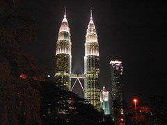 Sparkling Twin Towers (stardex) Tags: city building architecture night malaysia twintowers kualalumpur kl aplusphoto stardex