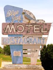 Blue Jay Motel neon sign (SeeMidTN.com (aka Brent)) Tags: sign virginia neon motel bluejay va salem leehighway us11 bluejaymotel roanokecounty bmok bmokneon bmokmotel