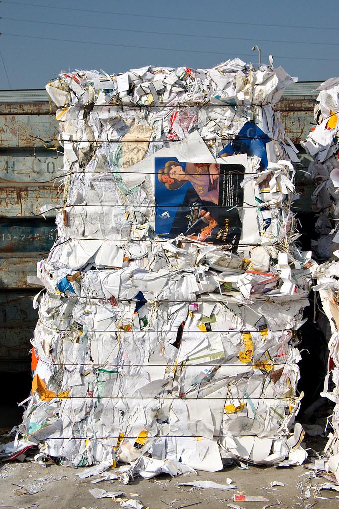 Metro-trash-recycling-10.jpg