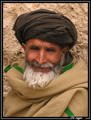 Le sage (Laurent.Rappa) Tags: voyage travel portrait people afghanistan face retrato afghan laurentr ritratti ritratto homme blueribbonwinner diamondclassphotographer flickrdiamond laurentrappa afghanistanoldpeople