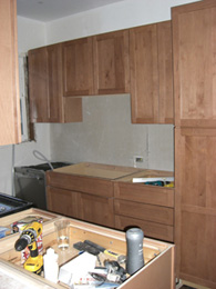 13.kitchen_cabs_right