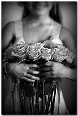 Tes Fleurs .. (A.A.A) Tags: flowers white black photography you fo bnw aaa amna irresistible althani aalthani 3asha fnant ilshea5a amnaaalthani