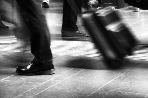 2436125583 b775c11c86 5 motivos por los que es mejor viajar con una sola maleta