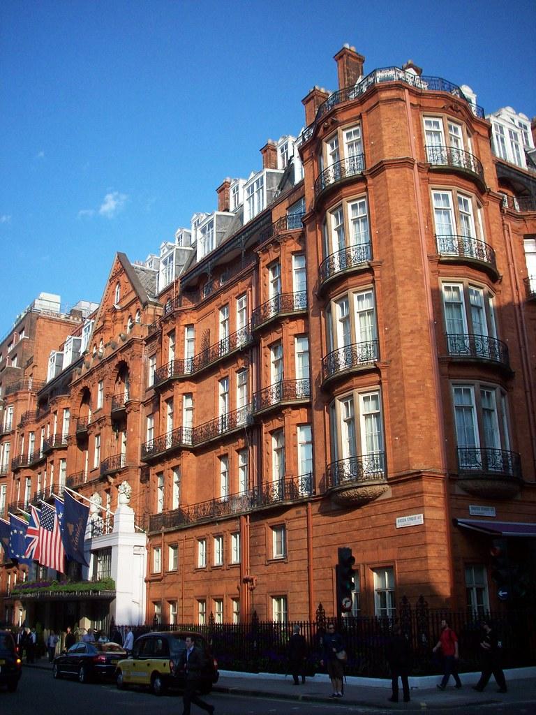 Claridge's Hotel W1