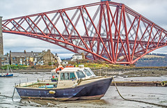 Stuck in the Mud (kayemphoto) Tags: boat bridge river forth scotland dogwood52 dogwoodwk5 architecture dogwood2017