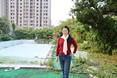 IMG_0497A (Ethene Lin) Tags: 淡水 海天山莊 廢墟 游泳池 人像 大樓