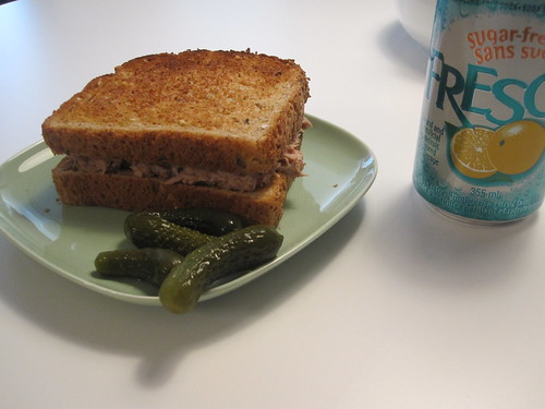 Tuna sandwich, pickles, Fresca