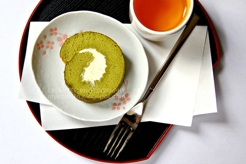 Matcha Rolled Cake with Buttercream