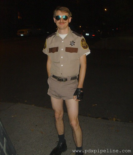 Costume Halloween 911.Halloween Costume Ideas Officer Dangle Reno 911 Daily Stank