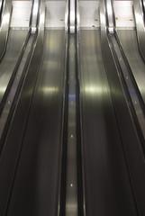 (arnd Dewald) Tags: underground subway metro escalator symmetry ubahn ruhrgebiet dortmund rolltreppe ruhrpott symmetrie asymmetrya arndalarm wetfalenhallen img8051e1c50r051klein