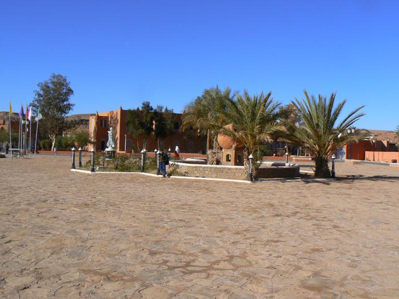 الواحات الجزائرية الجميلة - واحة تاغيت الحمراء في الجزائر