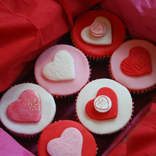 Topiary cupcake · Pony Set · Valentine Cupcakes