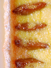 plum custard tart©