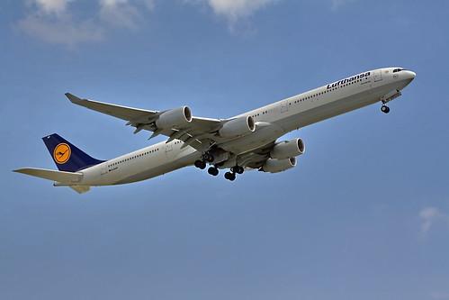 Lufthansa Airbus A340-600