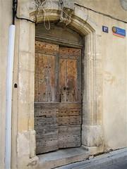 Narbonne: door!