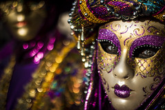 Violet Venice Mask (Cristiano Drago) Tags: cristianodrago canon 650d venice venezia veneto italia italy maschera mask carnevale carnival carnevaledivenezia carnevale2017 carnival2017 carnivalofvenice2017 venicecarnival maschere ilobsterit nationalgeographic viola violet oro gold