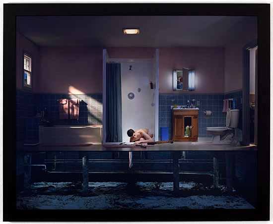 photography-crewdson-americana-lighting-suburbia-inspiration-dynamiccomposition-09