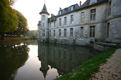 IMG_5579.JPG (acb) Tags: france reflection water lenstagged château canonefs1022mmf3545usm ermenonville